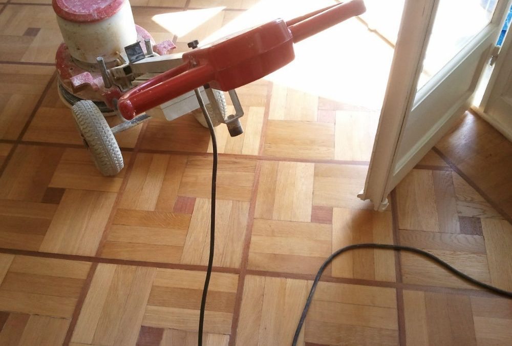 Poncer son parquet : comment faire ?